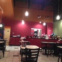 รูปภาพถ่ายที่ Sunisa's Thai Restaurant โดย 🌎Eric เมื่อ 10/30/2012
