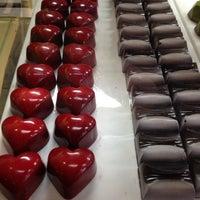 12/23/2012 tarihinde Allison H.ziyaretçi tarafından All Chocolate Kitchen'de çekilen fotoğraf