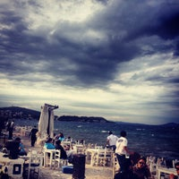 Foto tomada en Denizaltı Cafe & Restaurant por Ebrar T. el 4/14/2013
