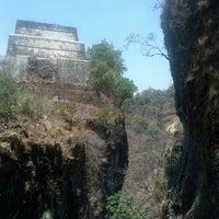 Foto tomada en El Cerro del Tepozteco por GaBo J. el 4/15/2013
