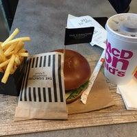 Das Foto wurde bei McDonald's von Falko R. am 10/26/2017 aufgenommen