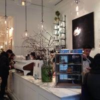 รูปภาพถ่ายที่ Toby's Estate Coffee โดย Laura I. เมื่อ 8/29/2014