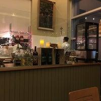Foto diambil di Pizzeria Solario oleh Kelli pada 1/22/2016
