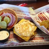 Снимок сделан в Smashburger пользователем Kelli 10/14/2012
