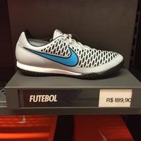 Foto tirada no(a) Nike Factory Store por Thiago D. em 4/6/2016