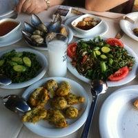 Foto scattata a Cunda Deniz Restaurant da Arda Ç. il 5/30/2013