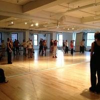 7/16/2013 tarihinde Burcu E.ziyaretçi tarafından Broadway Dance Center'de çekilen fotoğraf