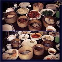 Das Foto wurde bei Ying Ying Tea House von Almie am 10/5/2013 aufgenommen