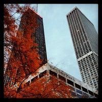 Снимок сделан в Water Tower Place пользователем Bill H. 10/26/2012