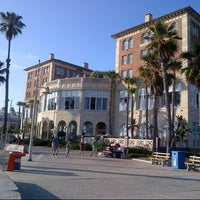รูปภาพถ่ายที่ Casa Del Mar Hotel โดย Andy L. เมื่อ 6/15/2013