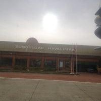 Foto diambil di Zonguldak Havalimanı (ONQ) oleh Melek pada 3/22/2013