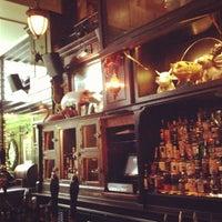 Das Foto wurde bei The Breslin Bar & Dining Room von Raj S. am 10/3/2012 aufgenommen