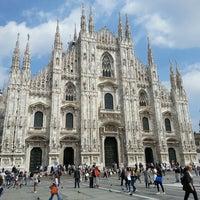 รูปภาพถ่ายที่ Duomo di Milano โดย 🔅Kayhan เมื่อ 6/10/2013