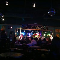 Photo prise au Pete's Dueling Piano Bar par Matnovacaine le1/4/2013