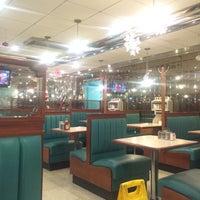 Foto tirada no(a) West Reading Diner por qwertney em 12/28/2015