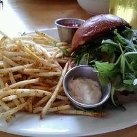 รูปภาพถ่ายที่ Cabbage Patch โดย Becky C. เมื่อ 10/6/2012