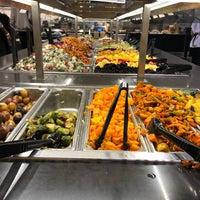 Foto scattata a Whole Foods Market da Niku il 11/8/2018
