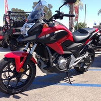 Foto tomada en Huntington Beach Honda Motorcycles  por Jim Techfrog A. el 8/22/2013