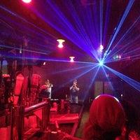 Das Foto wurde bei Sugarland Nightclub von Matthew am 11/20/2012 aufgenommen