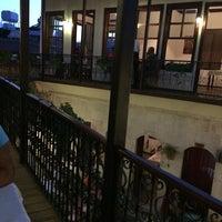 6/21/2014 tarihinde Erhanziyaretçi tarafından Avlu Restaurant'de çekilen fotoğraf