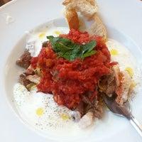 Das Foto wurde bei Uno Restaurant von Cemilot am 6/15/2013 aufgenommen