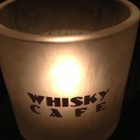 Photo prise au Whisky Café par Rob W. le12/7/2012