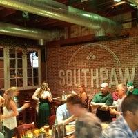 Foto tomada en Southpaw Social Club por James H. el 6/27/2013