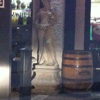 12/9/2012에 mary marjorie w.님이 Buster's Liquors & Wines에서 찍은 사진