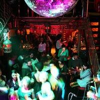 7/20/2013에 Umit A.님이 Mehanata Bulgarian Bar에서 찍은 사진