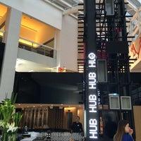Foto tirada no(a) HUB-Food Art & Lounge por stephane M. em 6/10/2014