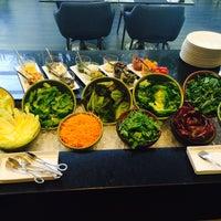 Foto tirada no(a) HUB-Food Art & Lounge por stephane M. em 12/17/2014
