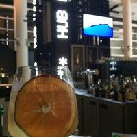 Foto tirada no(a) HUB-Food Art & Lounge por stephane M. em 6/22/2014