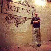 4/7/2013에 Monica Lynne H.님이 Joey's에서 찍은 사진