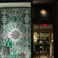 36d47a874e46 ... Photo taken at Tory Burch by Francisco G. on 5 9 2017 ...