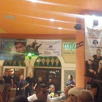 Photo prise au Mojitos Cuban Restaurant par Raidel A. le12/1/2012