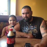 รูปภาพถ่ายที่ Proud Papa's โดย Lauren C. เมื่อ 7/21/2013