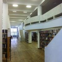 Снимок сделан в Библиотека КЦ ЗИЛ пользователем Анатолий С. 10/17/2015