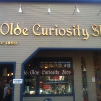 Foto scattata a Ye Olde Curiosity Shop da Natalie C. il 3/30/2013