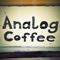 10/6/2012 tarihinde Danielziyaretçi tarafından Analog Coffee'de çekilen fotoğraf