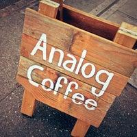 Foto tirada no(a) Analog Coffee por Daniel em 12/14/2012