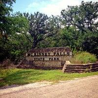 Foto tirada no(a) McKinney Falls State Park por Daniel em 5/26/2013