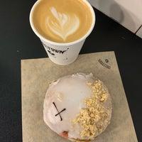 4/30/2019에 Katy C.님이 Crosstown Doughnuts & Coffee에서 찍은 사진