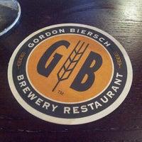 Foto tomada en Gordon Biersch Brewery Restaurant por Gladys P. el 5/8/2013