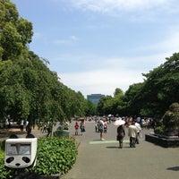 5/25/2013 tarihinde Drae L.ziyaretçi tarafından Ueno Park'de çekilen fotoğraf
