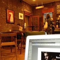 Foto tirada no(a) Postmark por shing em 10/19/2012