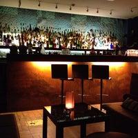 Foto scattata a CINCO Lounge da Fredy C. il 12/23/2012
