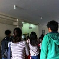 Снимок сделан в University of Santo Tomas Quad пользователем Joseph Benedict 12/2/2012