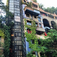 Das Foto wurde bei Hundertwasserhaus von Kostik am 7/12/2013 aufgenommen