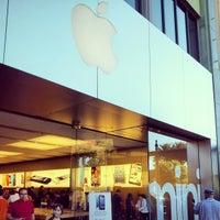 2/17/2013 tarihinde 24kMediaziyaretçi tarafından Apple Town Square'de çekilen fotoğraf
