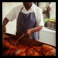 รูปภาพถ่ายที่ Bu Qtair Restaurant โดย Arsalan K. เมื่อ 4/7/2013